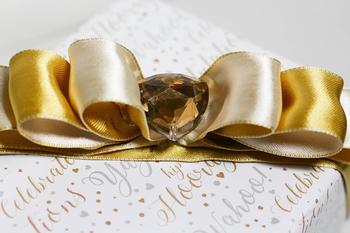 Professional Gift Wrapping In London Training and Workshop